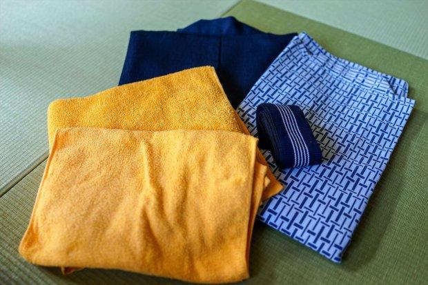 浴衣、羽織、バスタオルをお部屋に設置
